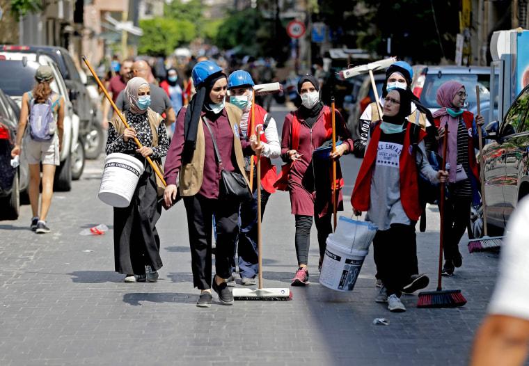 Image: Volunteers clean up Beirut