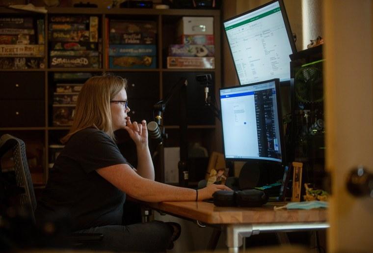 Image: Kara Jones at home in Sious Falls, S.D.