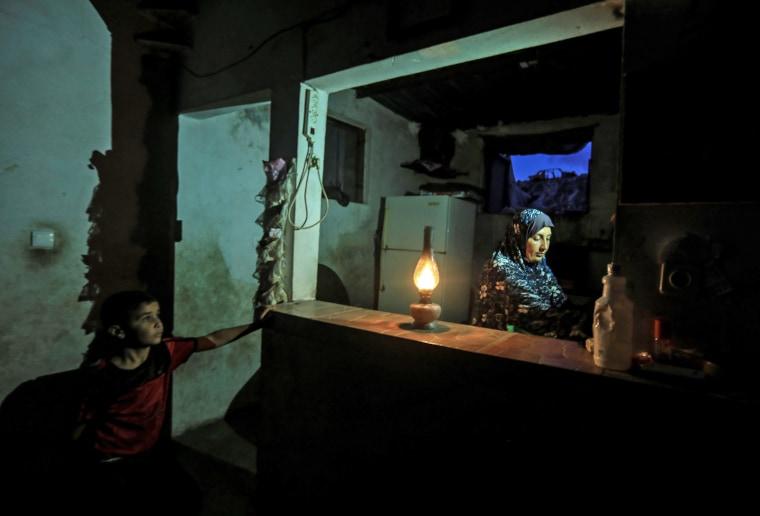 Image: TOPSHOT-PALESTINIANS-GAZA-ISRAEL-CONFLICT-ENERGY-ELECTRICITY