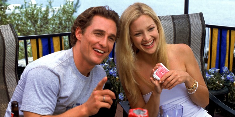 Prod DB (C) Robert Evans Company - Lynda Obst Productions / DR HOW TO LOSE A GUY IN 10 DAYS (HOW TO LOSE A GUY IN TEN DAYS) de Donald Petrie 2003 USA avec Matthew McConaughey et Kate Hudson couple, rire, cartes