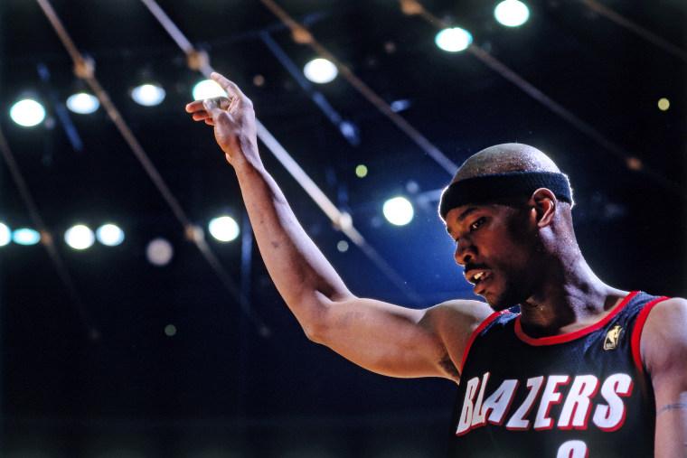 Image: Former NBA player Clifford Robinson