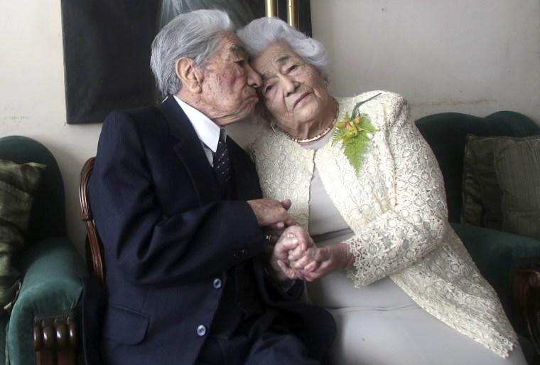 Image: Oldest married couple Julio Mora Tapia Waldramina Quinteros