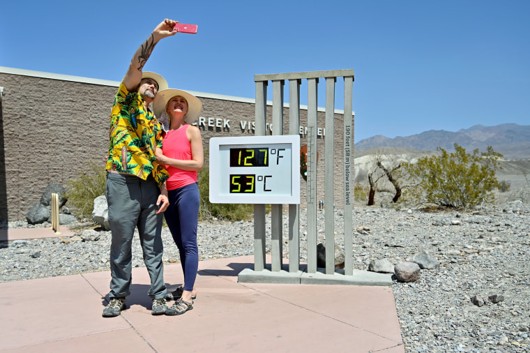 Image: Extreme heat in Death Valley, California