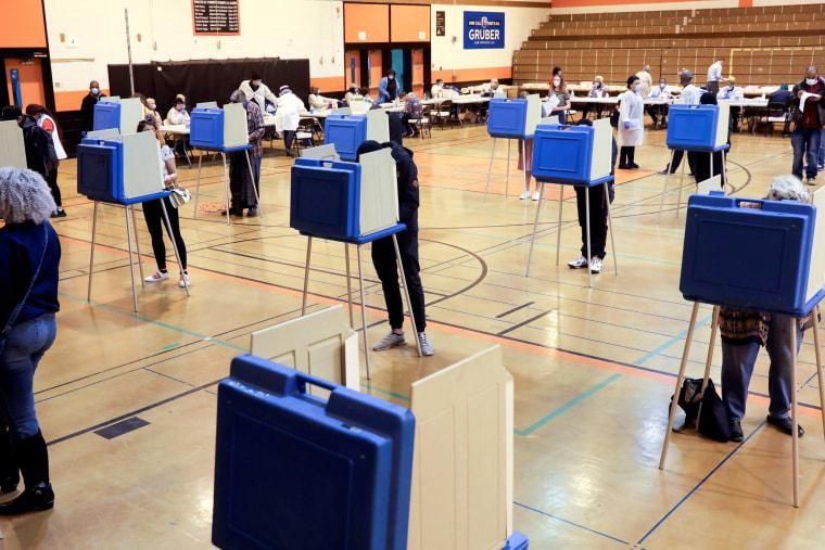 Image: Wisconsin voting coronavirus