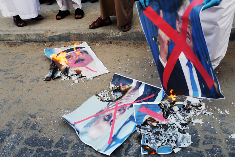 Image: Palestinians protest against Bahrain's move to normalise ties with Israel