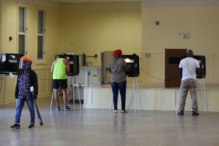 Image: Floridians Go To The Polls On State's Primary Election Day