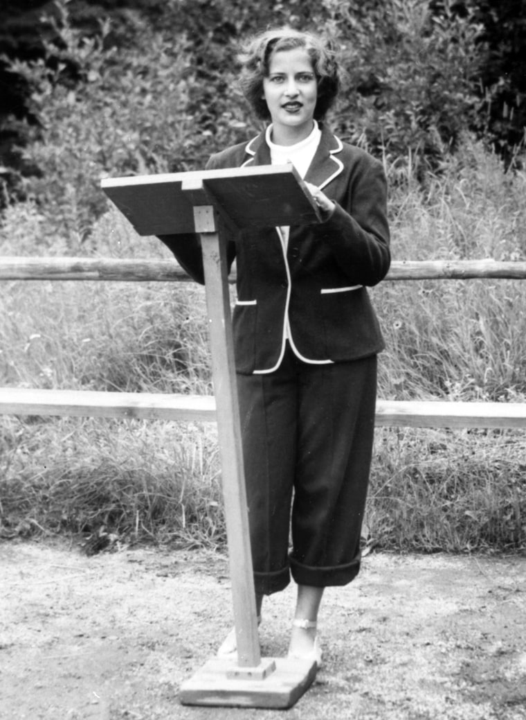 Ruth Bader, at age 15, giving a sermon as the camp rabbi at Che-Na-Wah in Minerva, N.Y., in 1948.