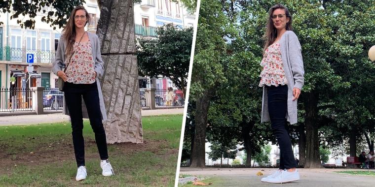 woman in park wearing gloria vanderbilt jeans