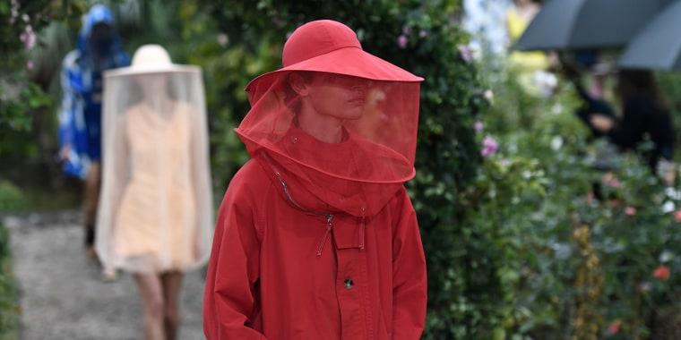 Kenzo fashion show. Beekeeper