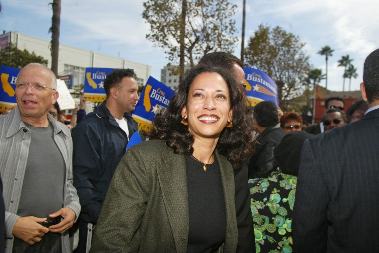 Image: Kamala Harris meets with supporters in front of the 24th street BART station