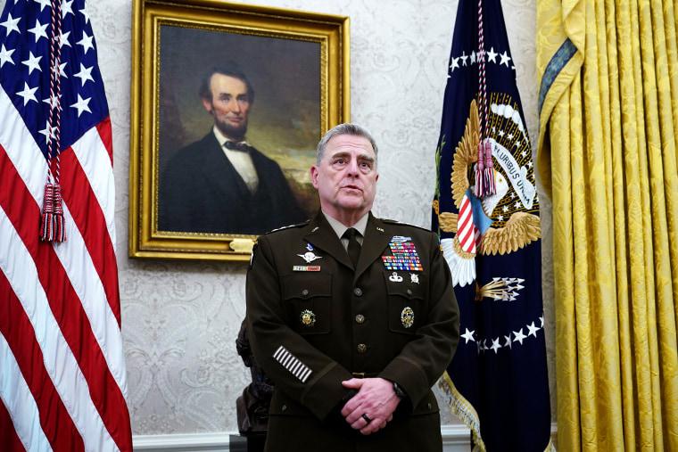 Image: us-politics-trump-military-army