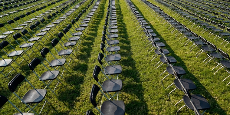 Image: National COVID-19 Remembrance near the White House in Washington