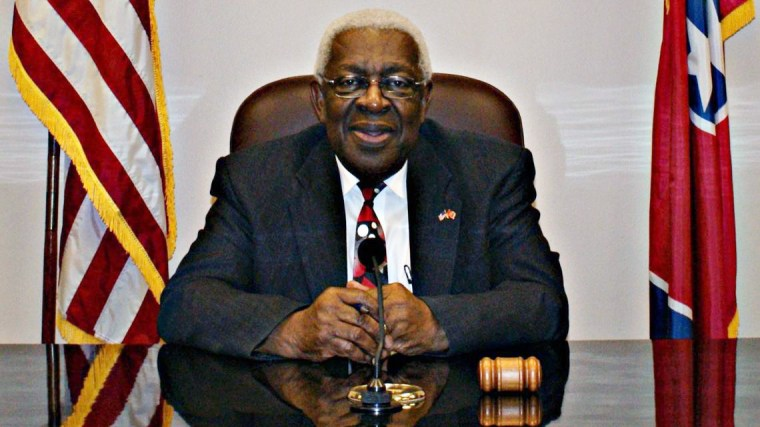 Manchester, Tennessee Mayor Lonnie Norman died Monday morning after being hospitalized for Covid-19 earlier this month.