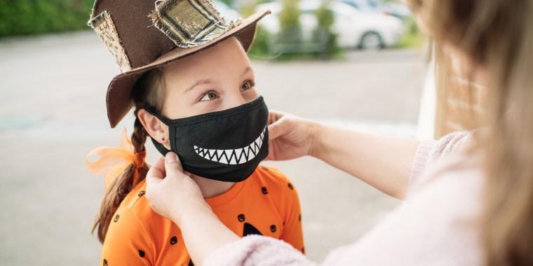 REFRESH: Halloween Face Masks