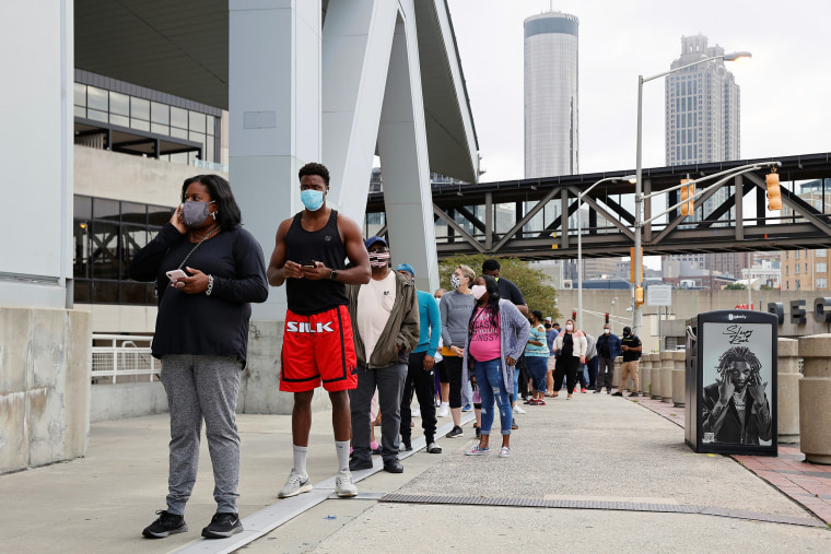 Image: Voters line up to cast their ballots for the upcoming presidential elections in Atlanta