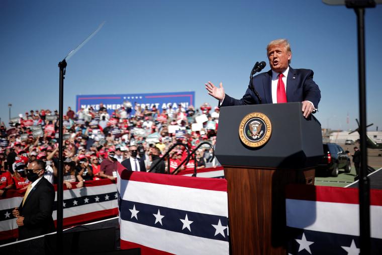 Image: U.S. President Donald Trump attends a campaign rally at Prescott Regional Airport
