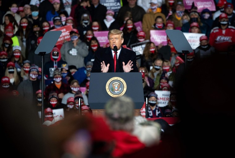 Image: President Donald Trump addresses supoorters during a Make America Great Again rally as he campaigns at Erie International Airport in Erie