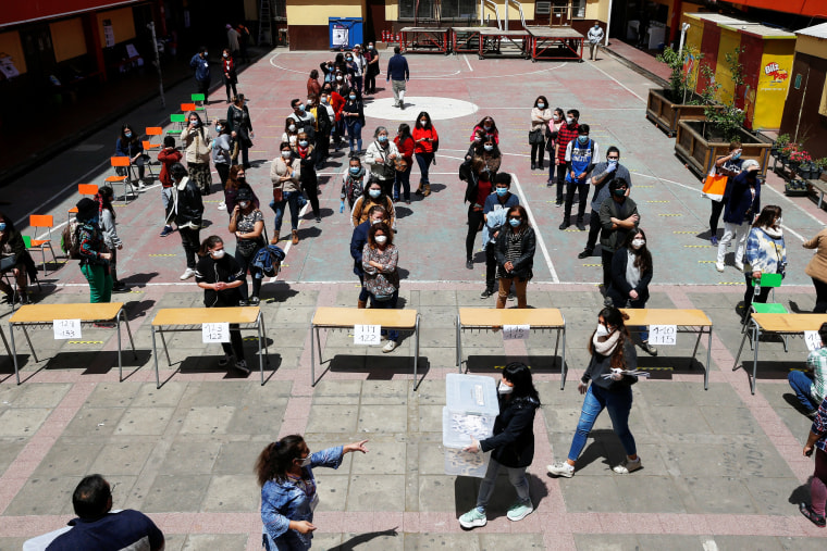 Image: Referendum on a new Chilean constitution, in Valparaiso