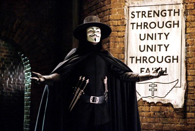 V FOR VENDETTA, Hugo Weaving, 2006, (C)Warner Bros./courtesy Everett Collection