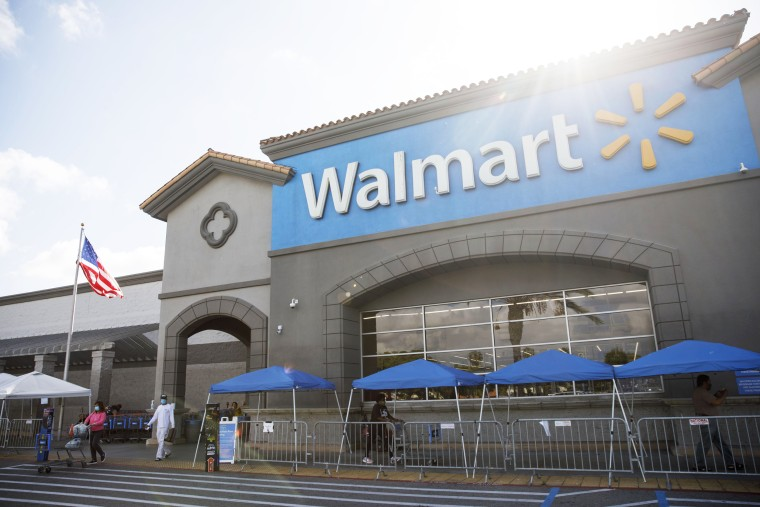 Image: Walmart Sales Soar On Consumer Stockpiling And Shift To Online