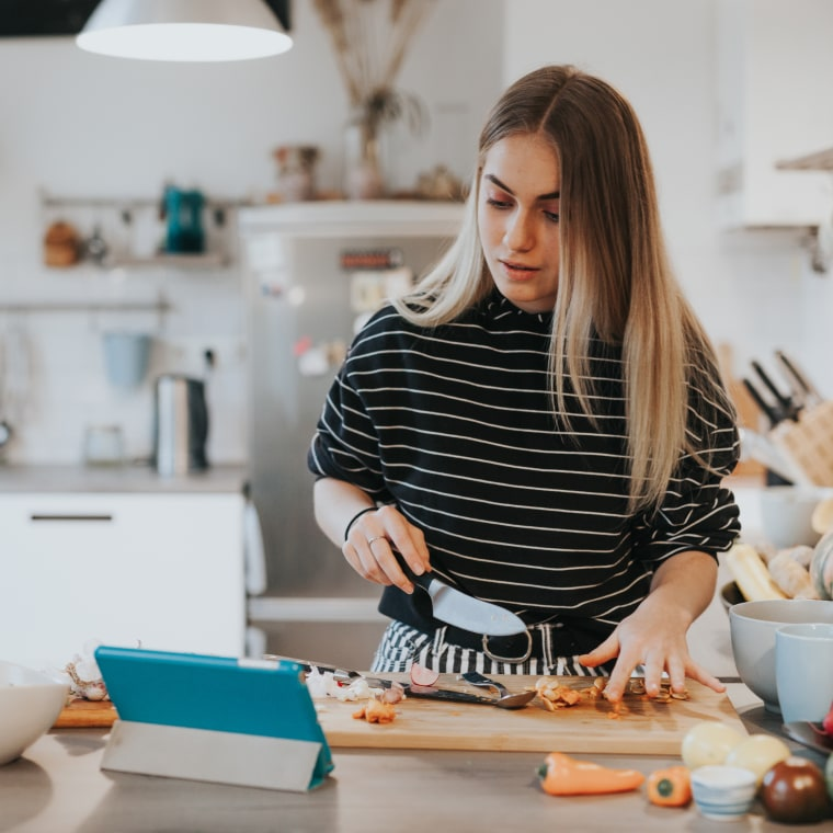 HOLIDAY COOKING CLASSES