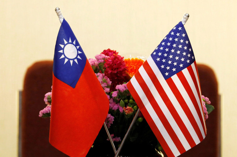 Image: Flags of Taiwan and U.S.