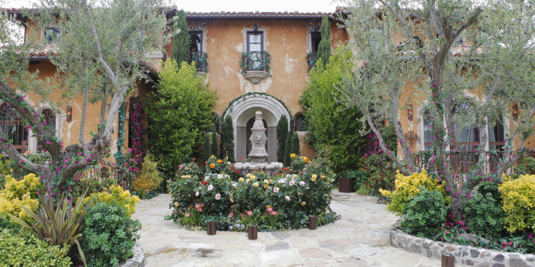 'Bachelor' mansion