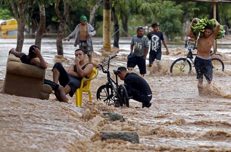 Image: TOPSHOT-HONDURAS-WEATHER-HURRICANE-IOTA