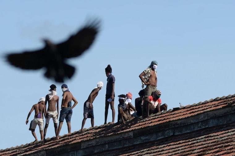 Image: SRI LANKA-HEALTH-VIRUS-PRISON-UNREST