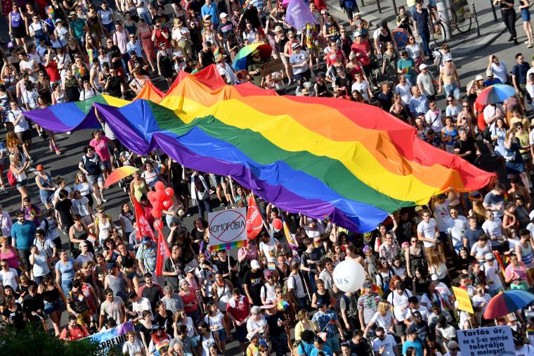 HUNGARY-GAY-PRIDE-LGBT