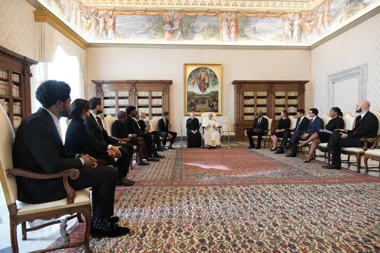 Image: Pope Francis meets NBA delegation at Vatican