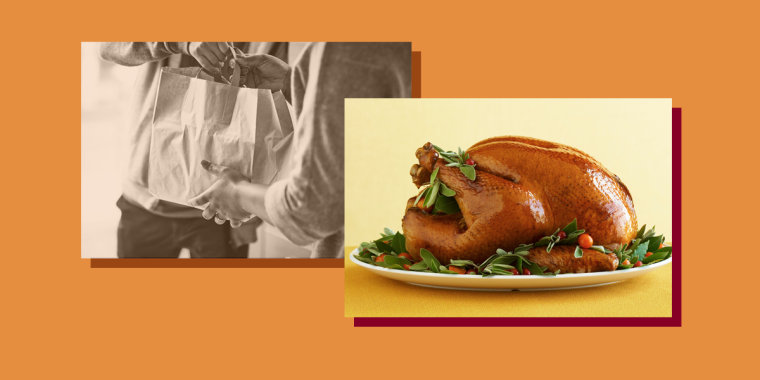Restaurants across the United States are advertising takeaway Thanksgiving dinners.