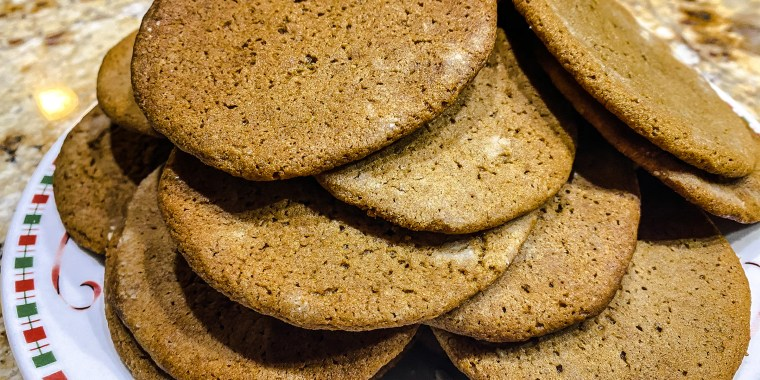 """Reddit's famed """"murder cookies"""" are a molasses-flavored delight."""