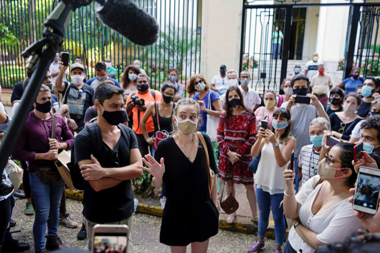 Image: People protest in solidarity with dissident artists in Havana