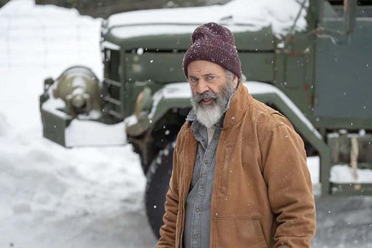 "Image:  Mel Gibson as Chris Cringle in \""Fatman\"""
