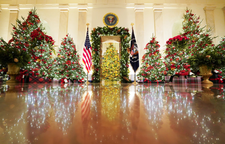 Image: Holiday decorations at the White House in Washington