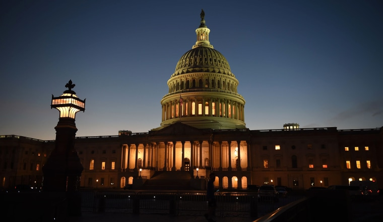 Image: US Capitol, night, exterior FILES-US-ECONOMY-BANK-RATE-POLITICS-STIMULUS