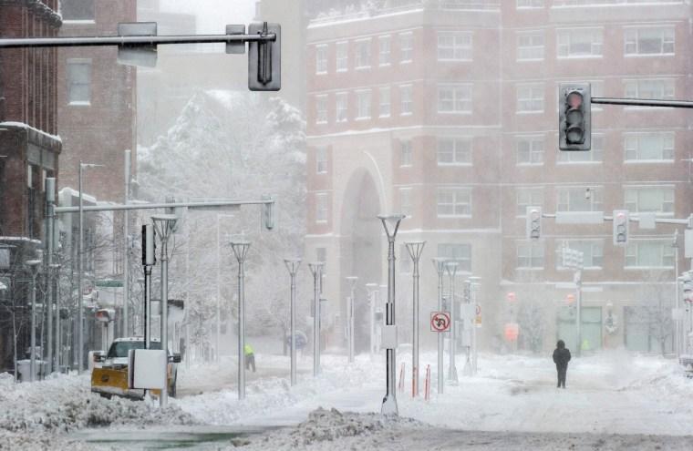 Image: Northeast snowstorm Boston