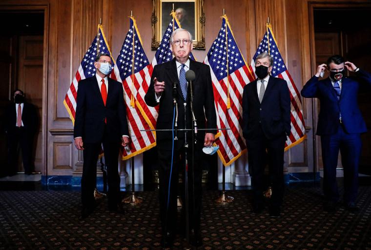 Image: TOPSHOT-US-POLITICS-MCCONNELL