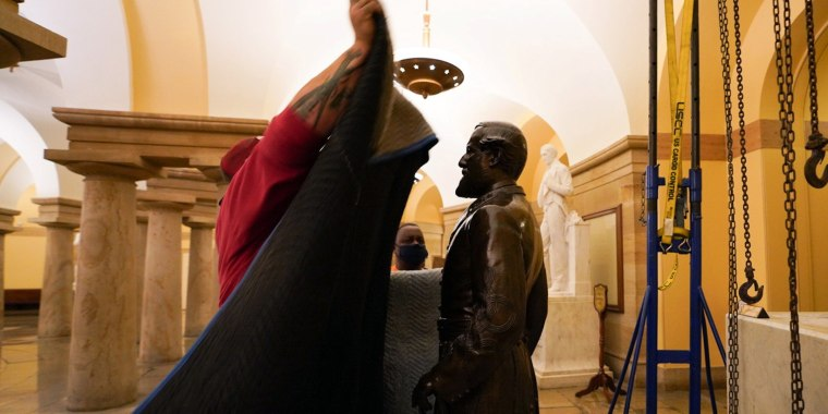 Image: Confederate General Robert E. Lee statue is removed from U.S. Capitol, in Washington