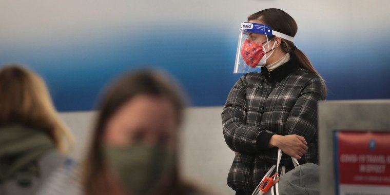 Image: Travel Increases Before Christmas Holiday Despite Pandemic Warnings