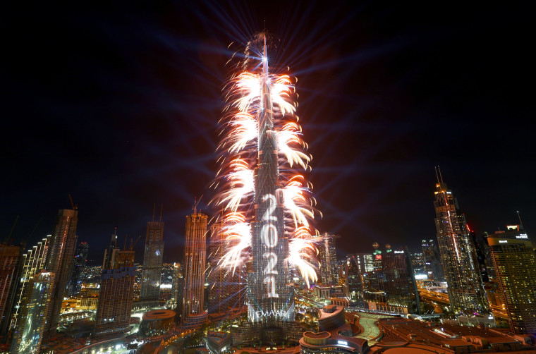 Image: Dubai welcomes the new year with fireworks at the iconic Burj Khalifa