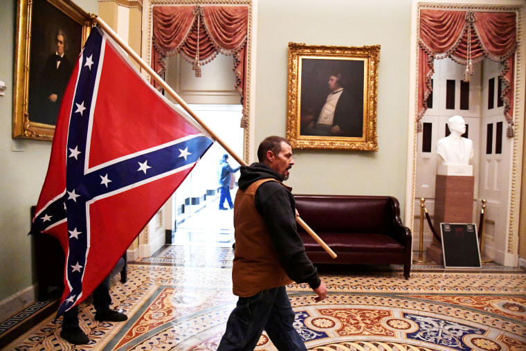 Image: Trump supporters breach U.S. Capitol