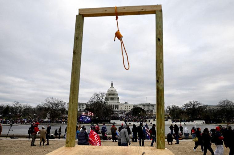 Image: Noose at U.S. Capitol