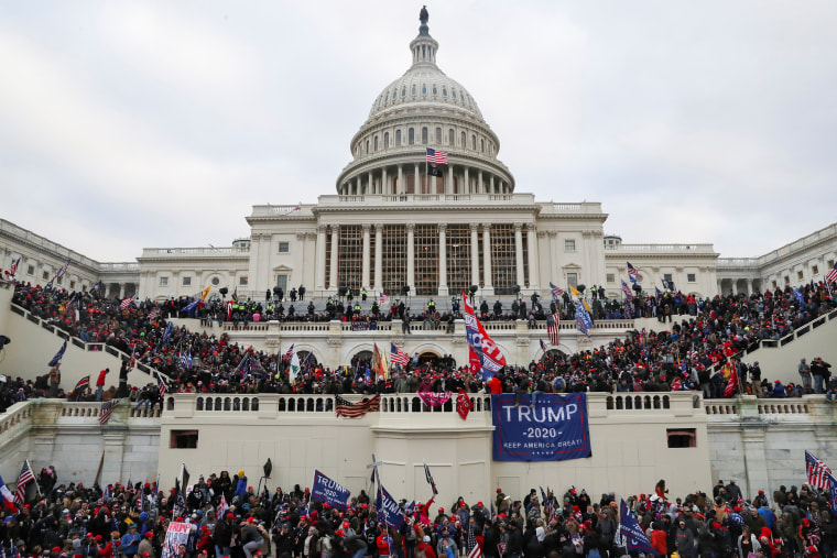 Image: Supporters of U.S. President Donald Trump gather in Washington