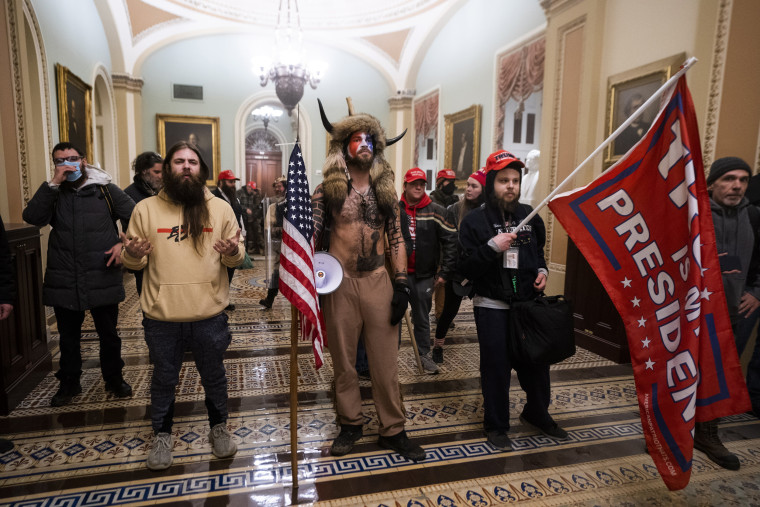 Image: Protestors storm the US Capitol