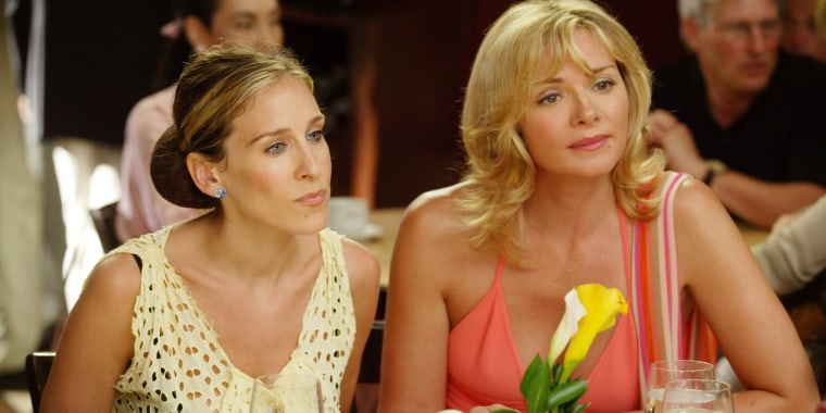 SEX AND THE CITY, (from left): Sarah Jessica Parker, Kim Cattrall, 'A Woman's Right To Shoes (aka No