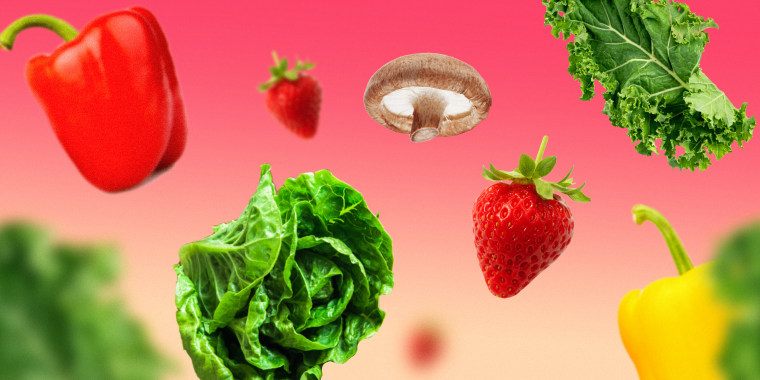 Illustration of food including strawberries, lettuce and mushrooms