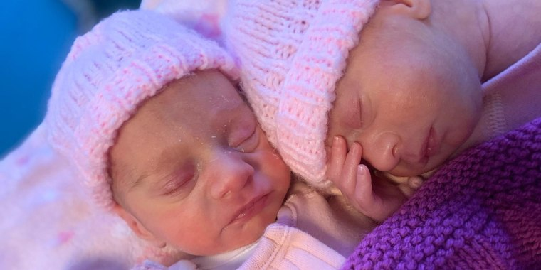 Identical twin girls Aria and Skylar Morgan-Trodden were born in England in November 2020 at the exact same time.