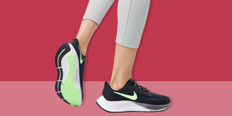 Illustration of a woman wearing the Nike Air Zoom Pegasus 37